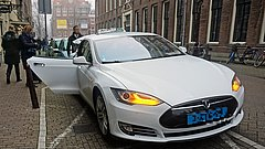Een taxi in Amsterdam - Foto Mariordo59 via Flickr